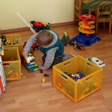 Die Spielecke dient aber nicht nur dekorativen Zwecken, sondern darf und soll von meinen kleinen Patienten ausgiebig genutzt werden.